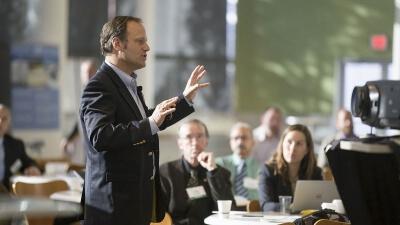 Curso Universitario de Especialización en Comunicación Estratégica, Presentaciones y Oratoria