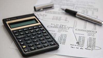 Curso Universitario de Especialización en Introducción al análisis económico y financiero